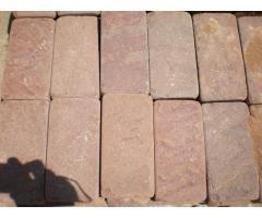 Натуральный камень Красный песчаник пиленый + галтованный брусчатка