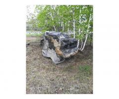 Предлагаем к реализации природные камни различных размеров, форм и фактур.